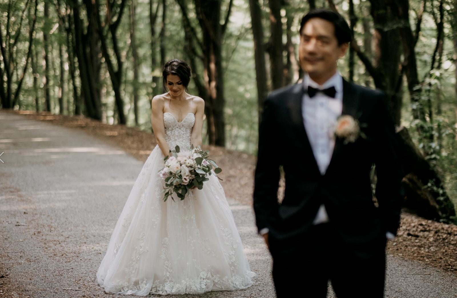 Krásna svadbička krásneho páru Mišky a Wesleyho - Obrázok č. 11