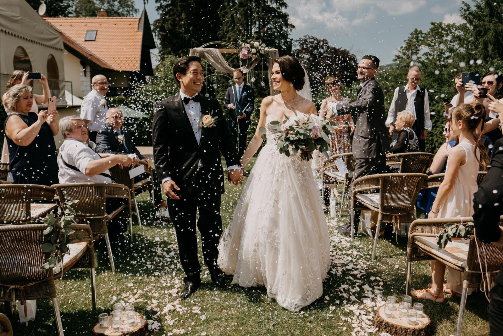 Krásna svadbička krásneho páru Mišky a Wesleyho - Obrázok č. 3