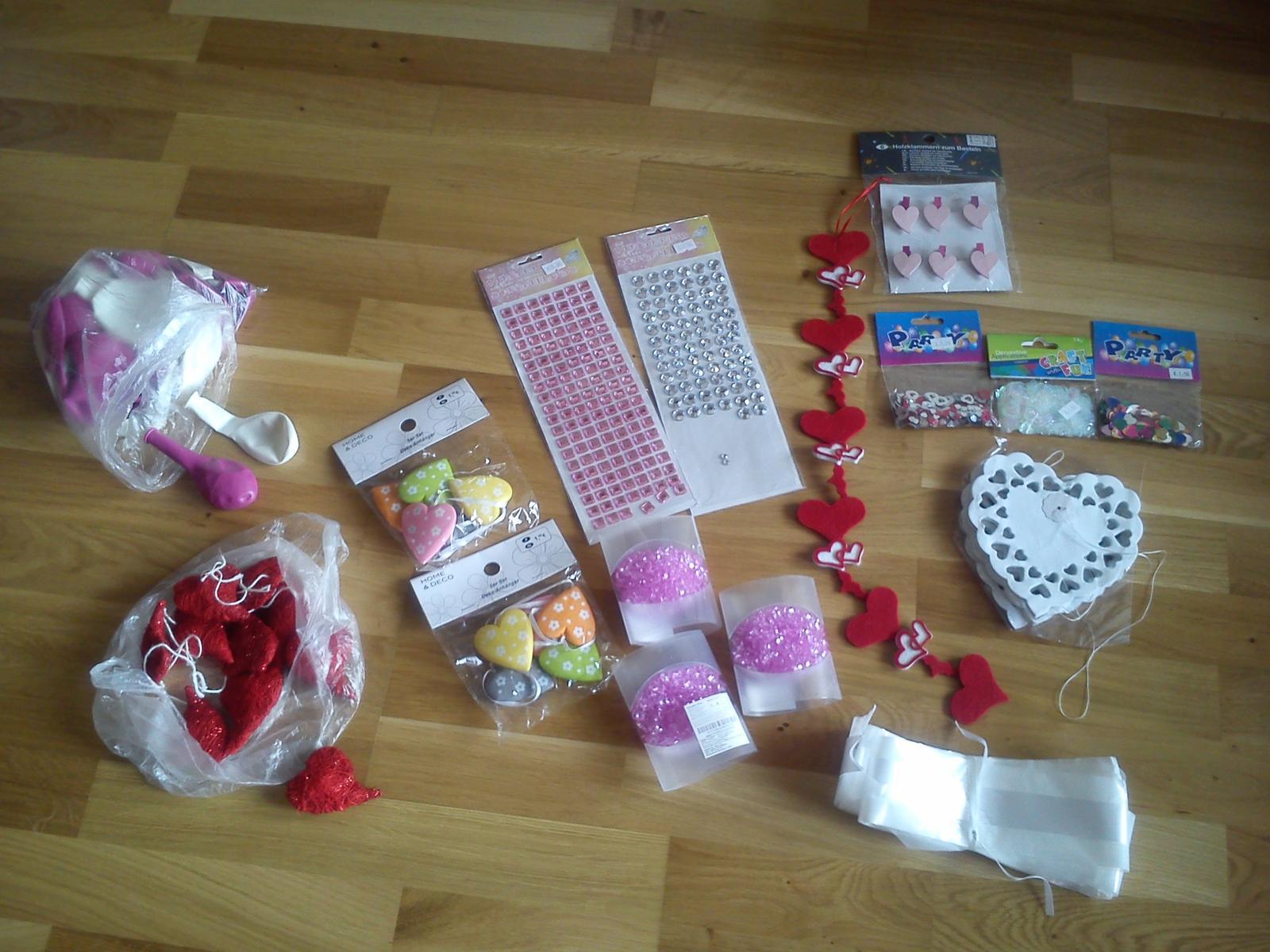 Výzdoba,dekorácie,srdcia,konfety - Obrázok č. 1