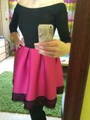 Fuchsiové šaty s áčkovou sukní, 36