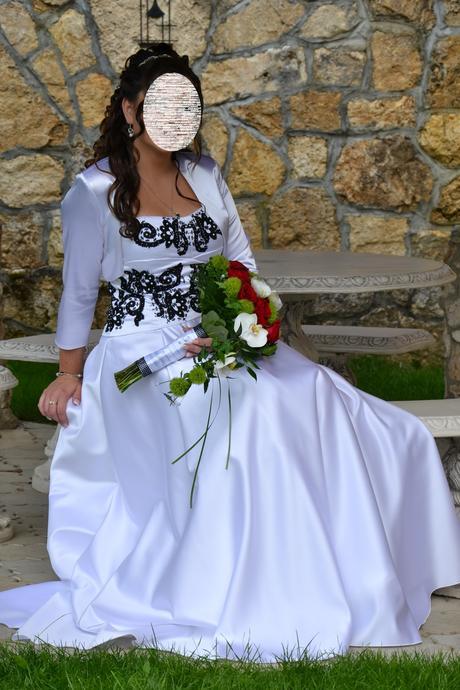 Svadobné šaty s ručne zdobeným korzet 38 - 40 - 42 - Obrázok č. 1