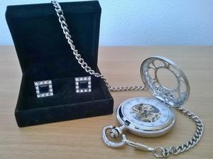 Manžetové knoflíčky a kapesní hodinky mého drahého