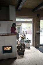 To isté miesto po 1,5 roku.. veranda je preč a namiesto dverí veľké okno