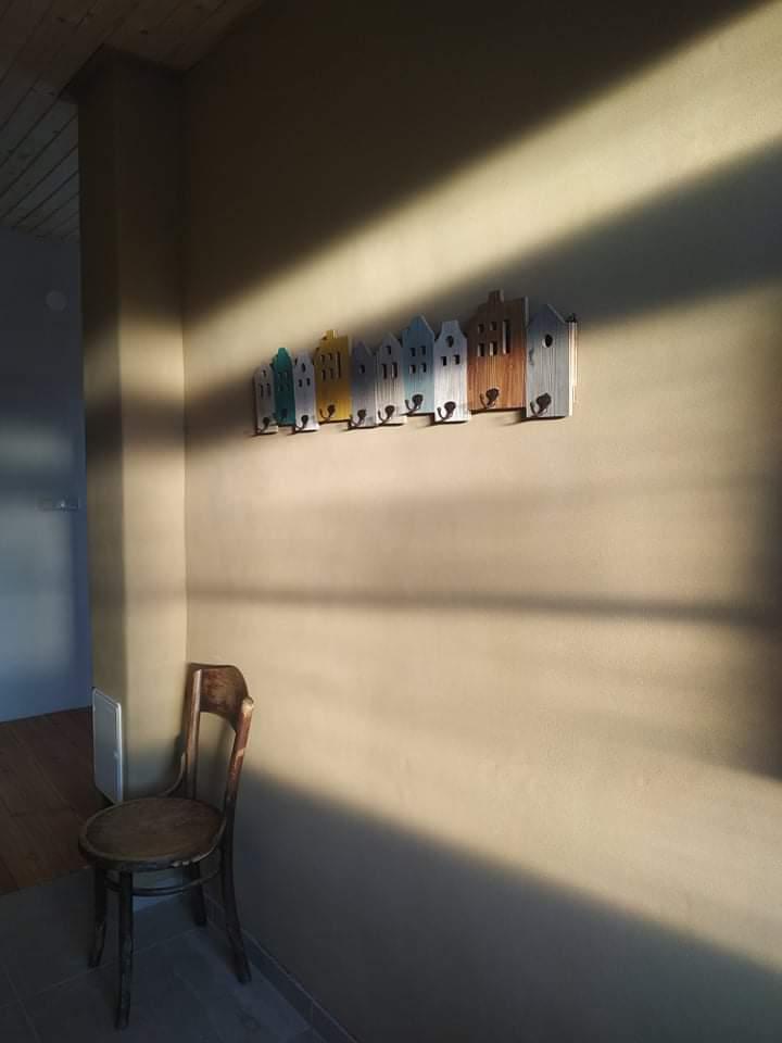 Hlinené omietky - Steny na ktoré dopadá svetlo celý deň môžu ostať tmavo hlinené