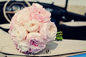 Květiny jsem svěřila své kamarádce Míše a jejímu květinářství :-*