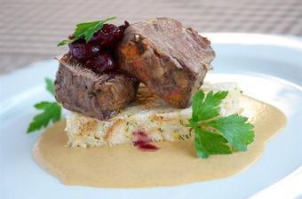 Oběd - Svíčková s karlovarským knedlíkem :-)
