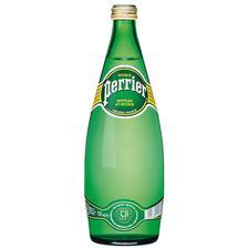 k obědu se podávat voda Perrier.... :)