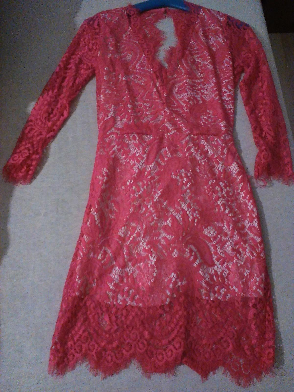 Čipkované červené šaty - cena už s poštovným - Obrázok č. 1