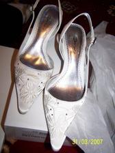 jupii!Moje nove svadobne batusky!:+)