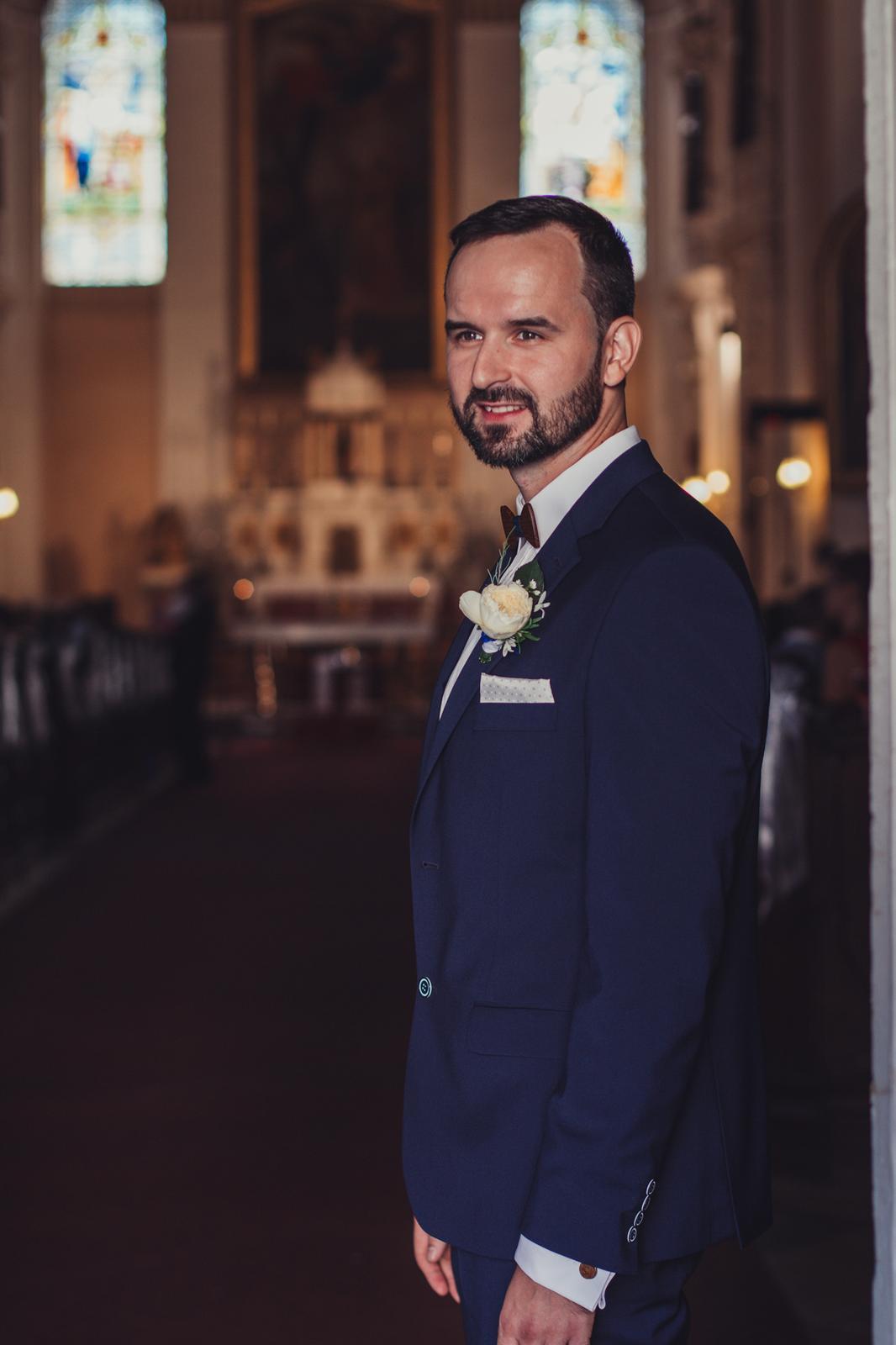 Božena Géčová a Viktor Tóth - pierko pre ženícha Pretty Wedding Nové Zámky