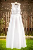 Svadobné šaty so skladanou sukňou, 36