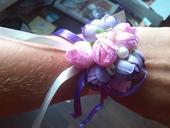 umělé květiny na ruku pro družičky,