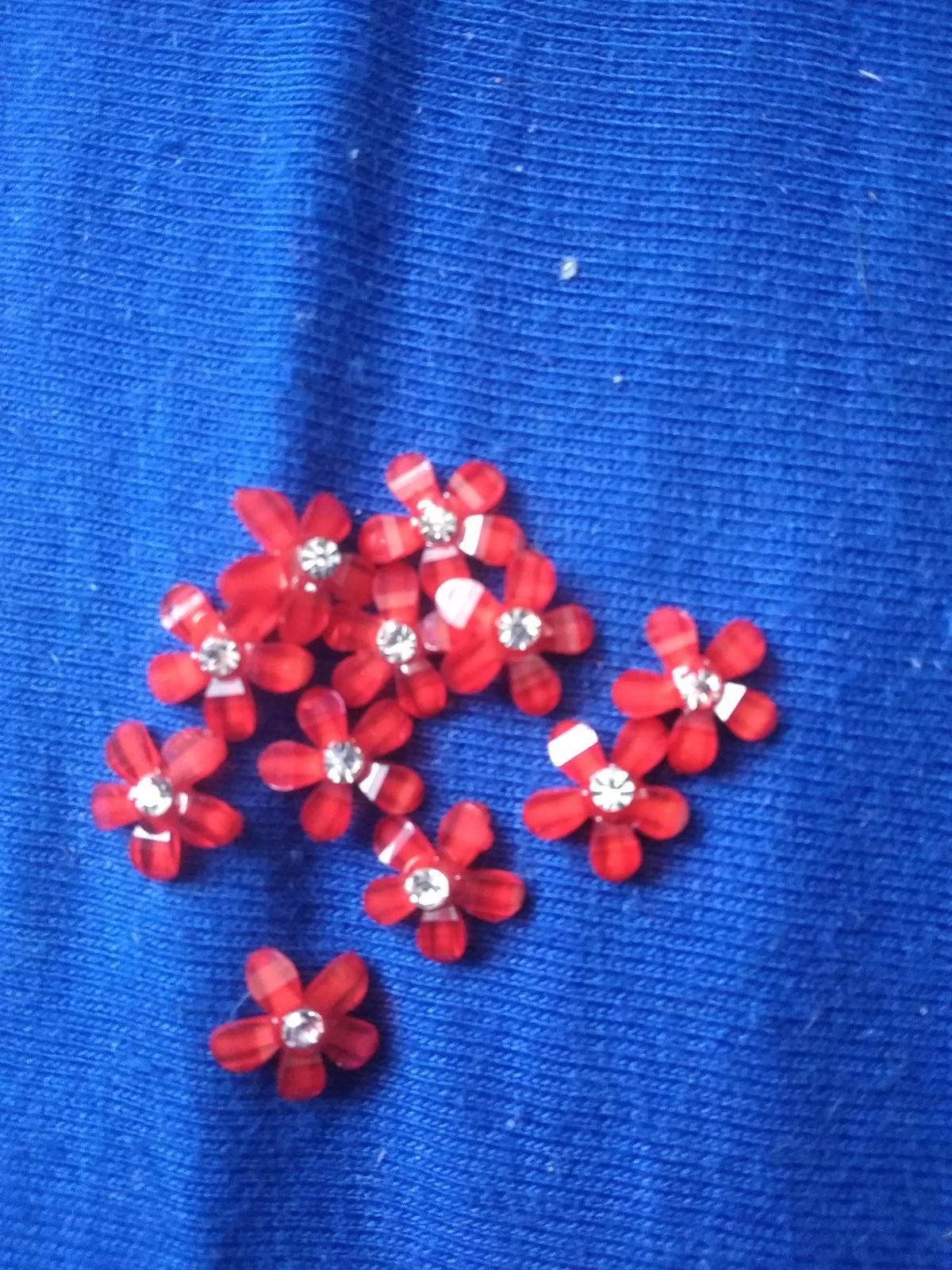 Červené kytičky  - Obrázek č. 1