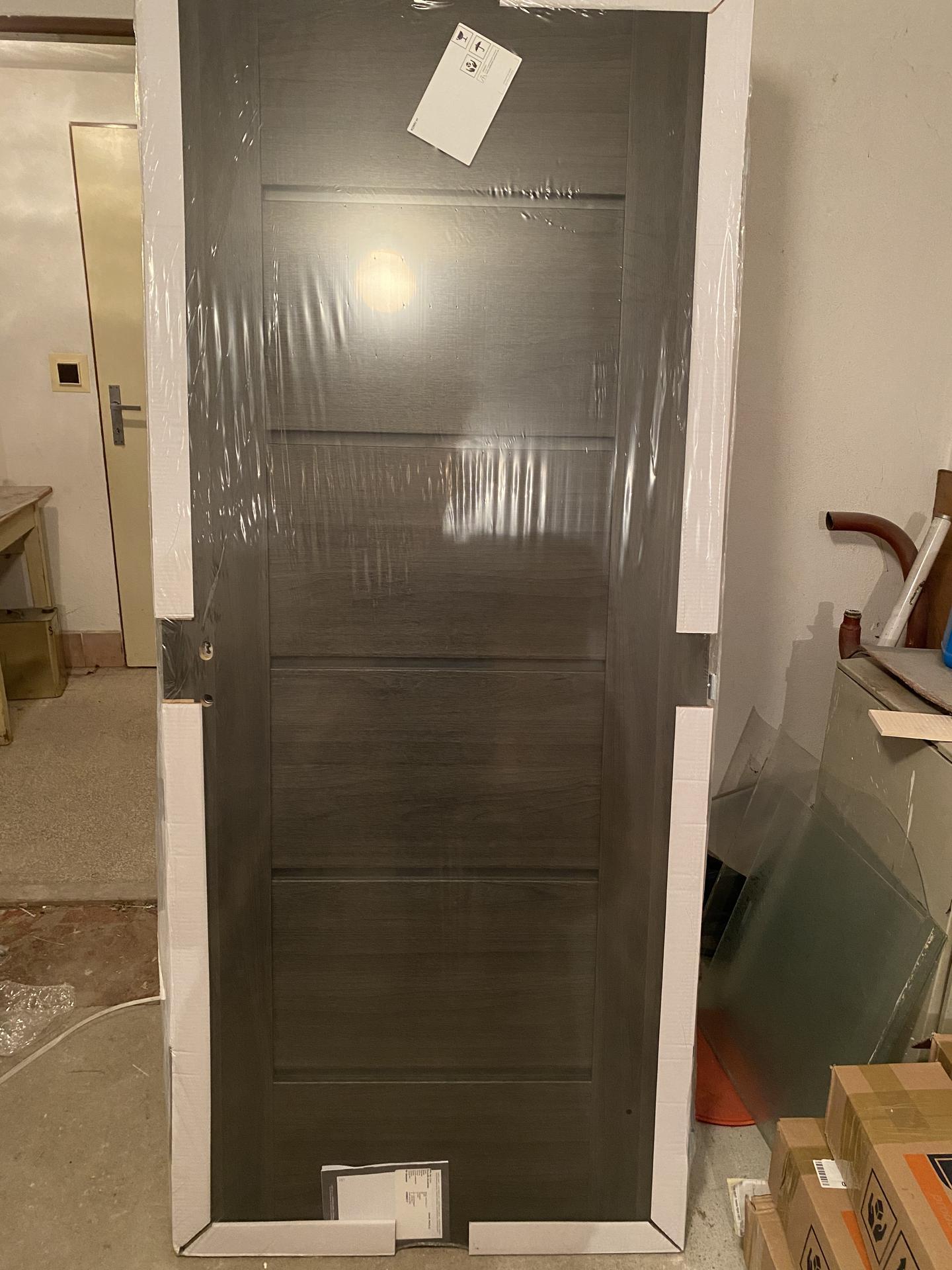Náš sen bydlení ve vlastním 🏡🍀 - Dveře čekají v garáži 😁