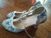 Tanečné topánky, 34