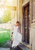 Krémové šaty so staroružovou čipkou na chrbte, 38