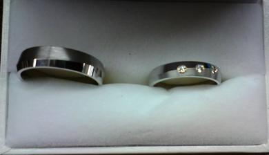 naše prstýnky s bílého zlata