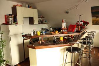 A uz som zabyvana v mojej kuchynke...zatial som ale nemala cas to tam vsetko upratat a zorganizovat :-)