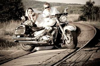 Manželství je jako jízda na motorce... Musíš věřit a pevně se držet!!!