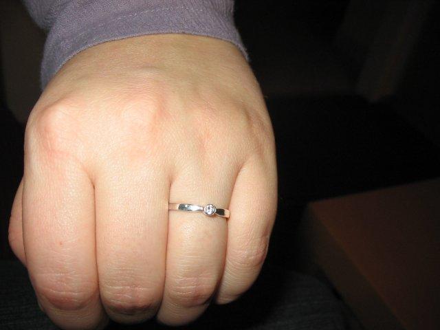 Krasa podla mojho vkusu II. - nepacia sa mi velikanske a prezdobene prstene s velkym ockom, tak tento moj drahy vazne ulahodil! dakujem Romi :o)