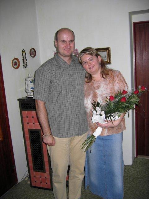 Krasa podla mojho vkusu II. - no a toto sme my dvaja v den, ked sme nasim rodicom uspesne oznamili ze sme sa zasnubili :D 15.10.2006