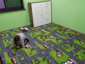 testuje sa novy koberec ;-)