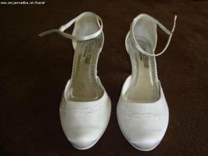 moje svetové svadobne topánočky už doma