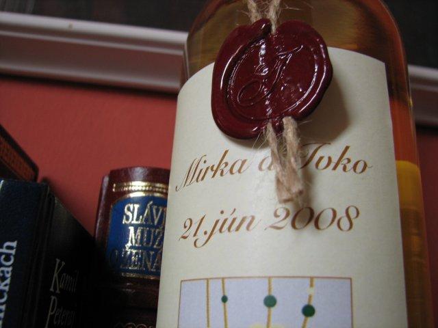 Mirka&Ivko - tokajské víno ako výslužky,vineta sedela k štýlu oznámení a poznámok