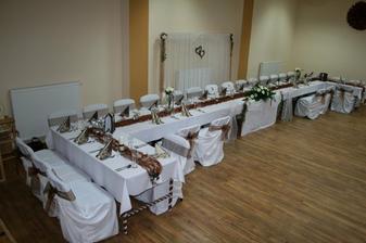 vlastná výzdoba - hlavný stôl