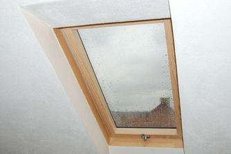 střešní okno, které se také muselo nechat udělat