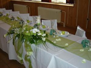 kytka na stůl