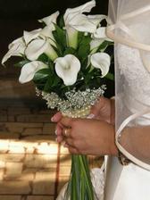 Svadobná kytica bola nádherná.