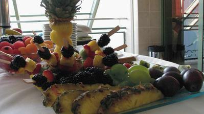 Nádherné ovocné stoly.