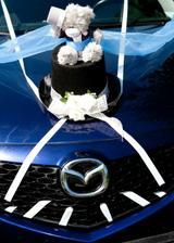 ozdoba na autě ženicha
