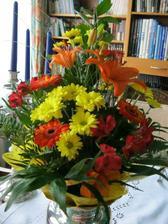 29.12.2011 proběhla žádost rodičů o moji ruku (bez problémů mě ženichovi dají) a tuhle kytici dostala mamka