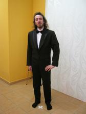 ženich si 14.1.2012 zkoušel frak a vypadal skvěle,takže ho berem!!
