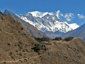 nádherný výhled v Nepálu na osmitisícovky
