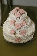 úplne krááásnučká tortička :) naša krásna