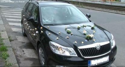 Výzdoba na auto nevěsty