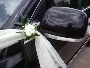 hezký detail na ženichovo autíčko