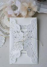 využití dortové krajky na svatební oznámení
