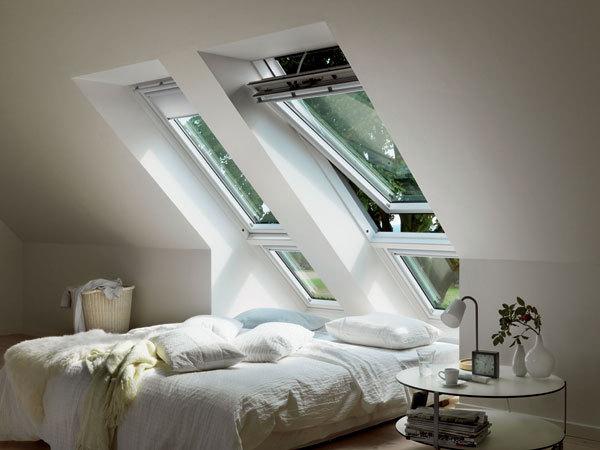 Podkrovní byt - Tyhle střešní okna jsou super. Dole by stačilo pevné.