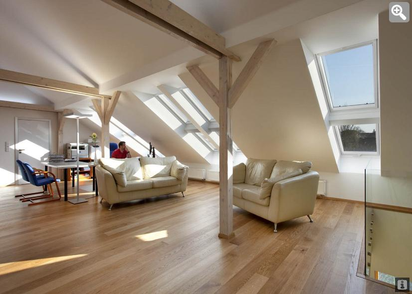Podkrovní byt - Máme rádi přírodním světlem prosvětlené prostory. Střešní okna máme snad všude kde to šlo.