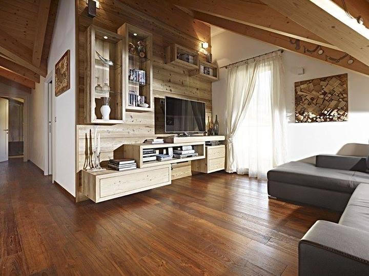 Podkrovní byt - některá stěna bude obložená dřevem