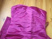 Fuchsiové korzetové šaty, 38