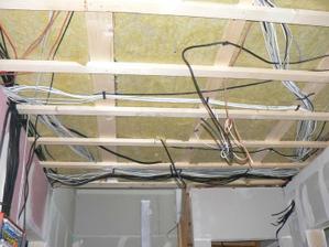 takhle hezky si mm sešněroval stropy i stěny