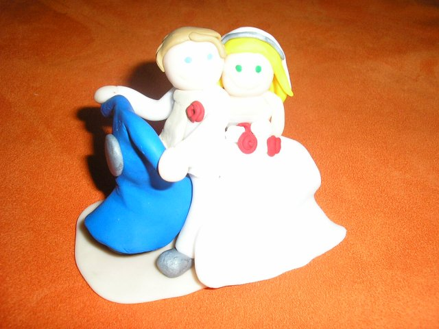 Janka a Petko - postavičky na tortičku...ďakujeme LUsa...sú nadhernéé
