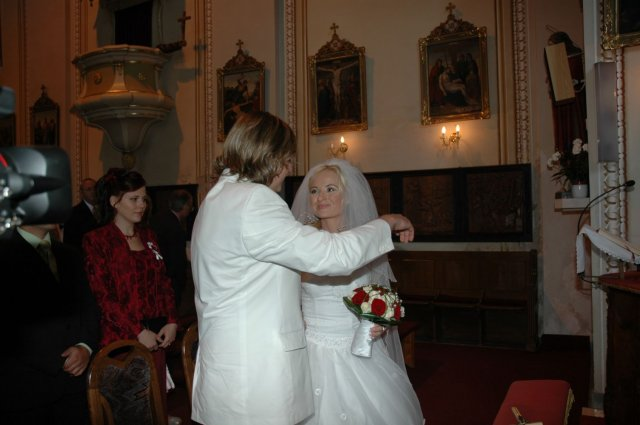 Janka Čižmariková{{_AND_}}Peťko Varga - a uz sme v kostoliku