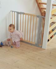 zábrana pro děti ke schodišti