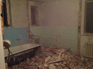 stara kupelna a wc po burani